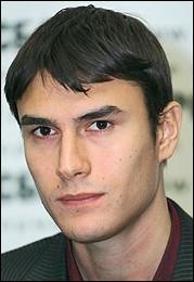 http://lib.rus.ec/files/author-portrait-11128-shargunov.jpg