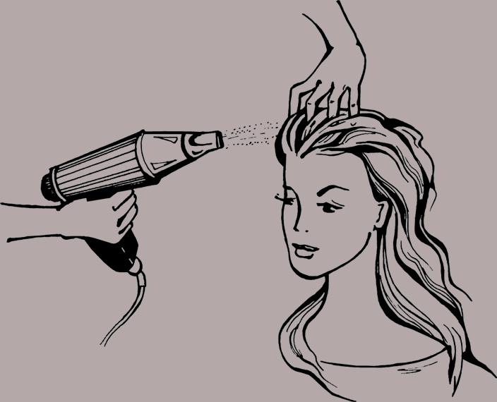 Подсушите волосы феном.