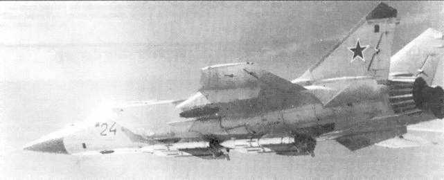 Снимок МиГ-31 сделан с F-16