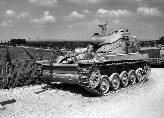 Легкий танк амх 13 в латруне