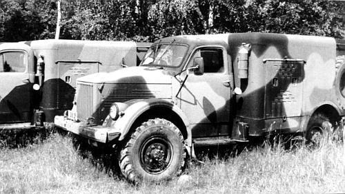 Для временного хранения, доставки и раздачи специальных видов ракетного топлива на шасси ГАЗ 63 были созданы...