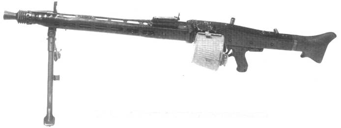 Единый пулемет MG.42 на сошке