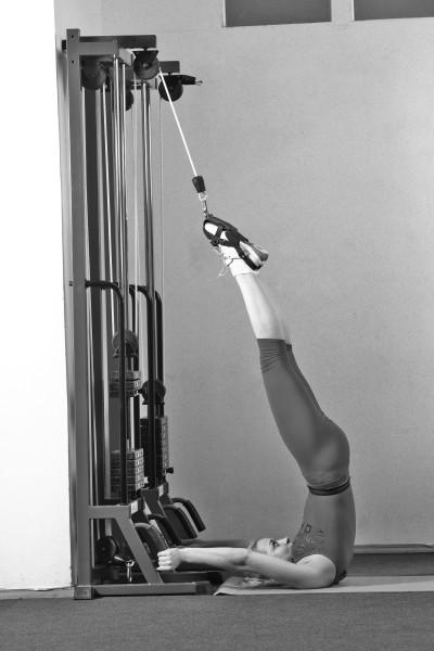Китайский точечный массаж активизирует кровообращение и улучшает циркуляцию крови в области коленного сустава, что