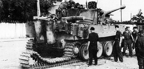 с одного из танков «Тигр»