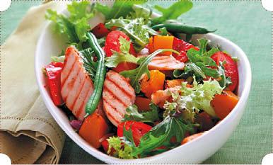 Салат из копченой грудки и стручковой фасоли