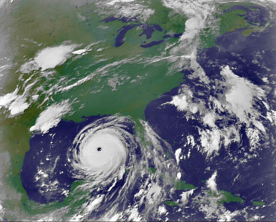 Вид урагана из космоса.