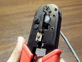 Обжимка кабелей, настройка подключений и общий доступ к Интернету.